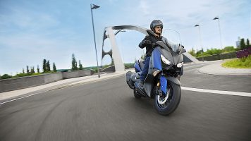 2018-yamaha-x-max-400-brings-new-style-and-features_34